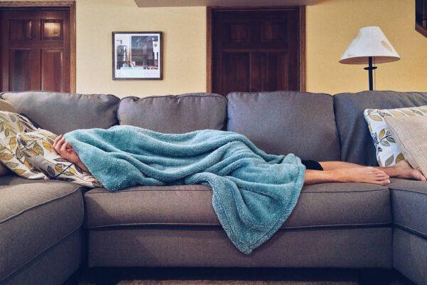 Die Degeneration einer Couch-Potato in vier Akten